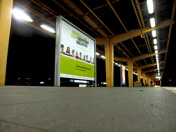Treffpunkt Bibliothek - auf dem S-Bahnhof Springpfuhl