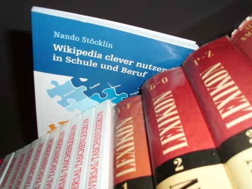 """Coverbild von """"Wikipedia clever nutzen - in Schule und Beruf"""" von Nando Stöcklin"""