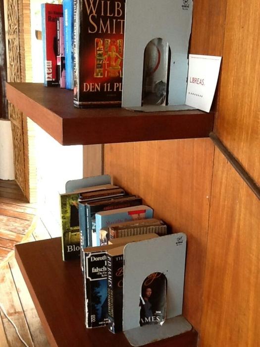 Eine Bibliothek ____außerhalb der Bibliotheken, irgendwo in Thailand.