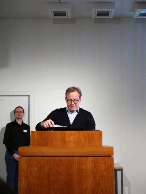 Ben Kaden bei seinem Grußwort auf der Veranstaltung 90 Jahre Institut für Bibliotheks- und Informationswissenschaft, 02. November 2018